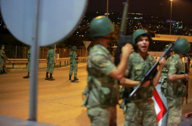 トルコの政変が起きたことで週明けの相場は大混乱するだろう