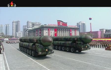 4月15日金日成生誕祭で行われている軍事パレード